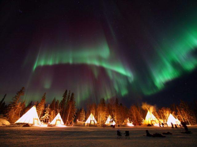 【成田・関空発】神秘のオーロラが舞う大地、カナダ・アラスカへ