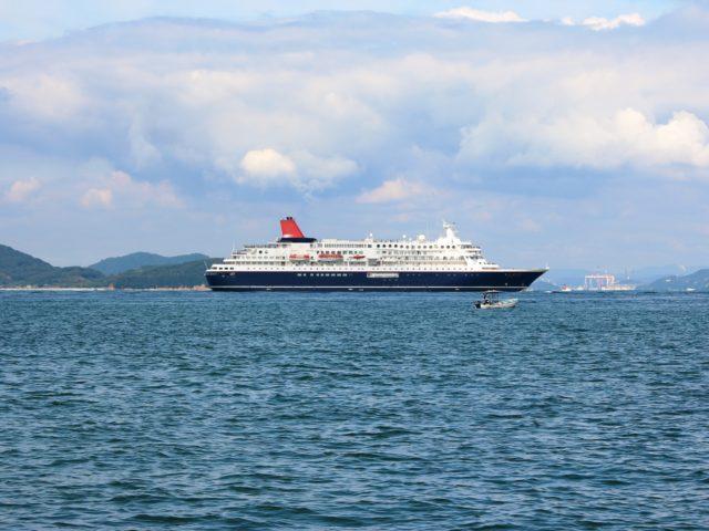 にっぽん丸で航く 福江島・奄美大島4日間